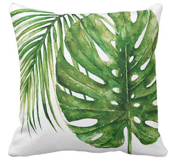 3 coussins verts aux motifs tropicaux pour une dco exotique. Black Bedroom Furniture Sets. Home Design Ideas